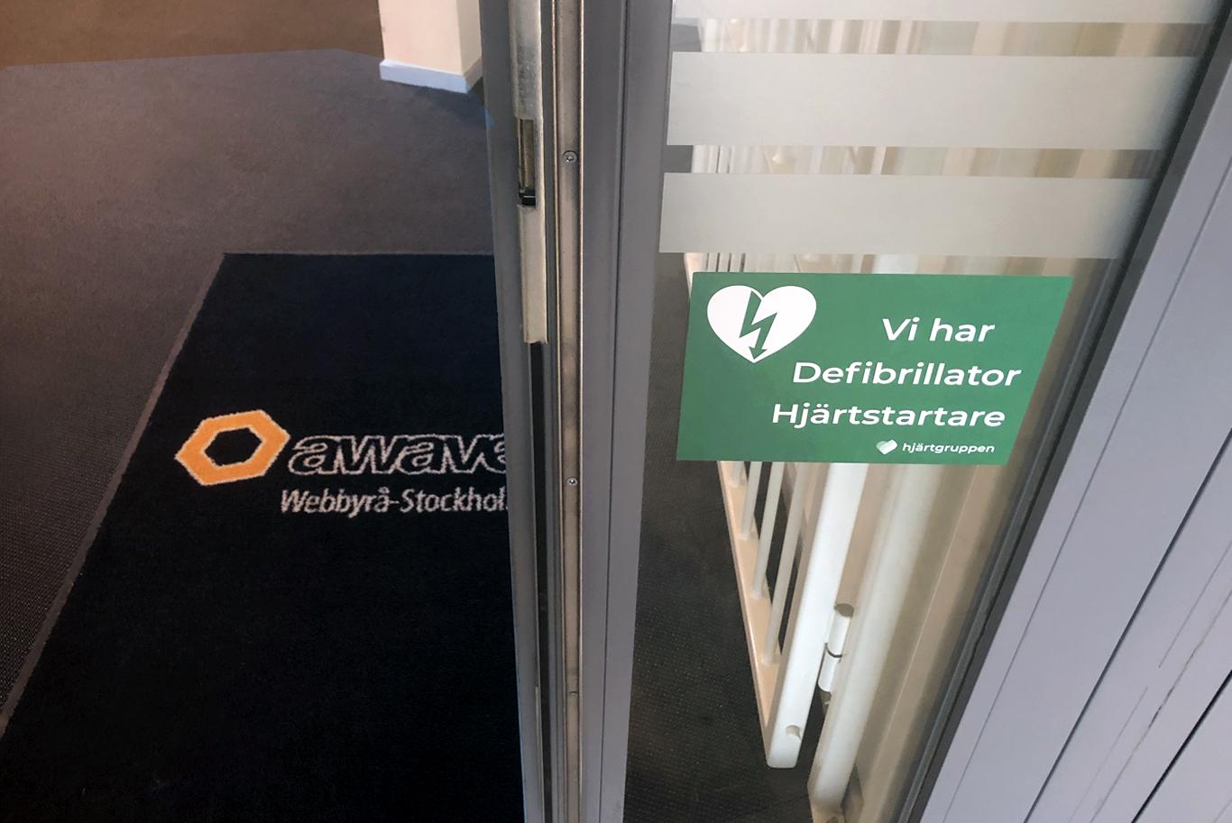 Awaves kontor har hjärtstartare
