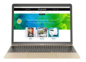 En dator som visar åtta45s nya webbshop